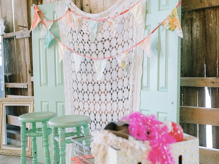 Ideas For Wedding Photo Booth: 12 DIY Wedding Photo Booth Ideas That Will Save You Money