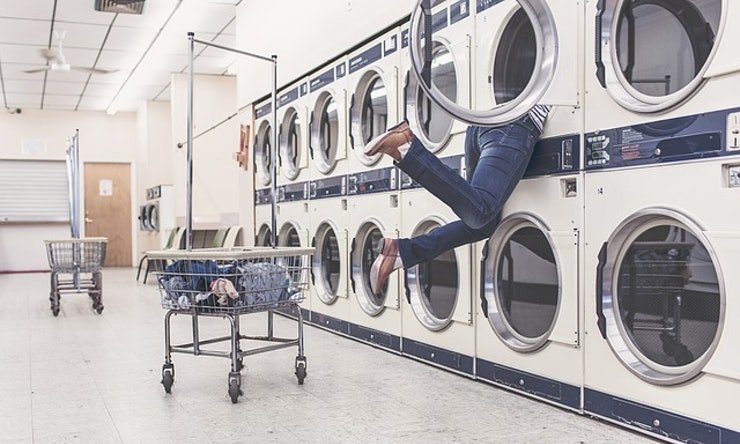 11 ridiculous things only people who do laundry in big cities have 11 ridiculous things only people who do laundry in big cities have done solutioingenieria Image collections