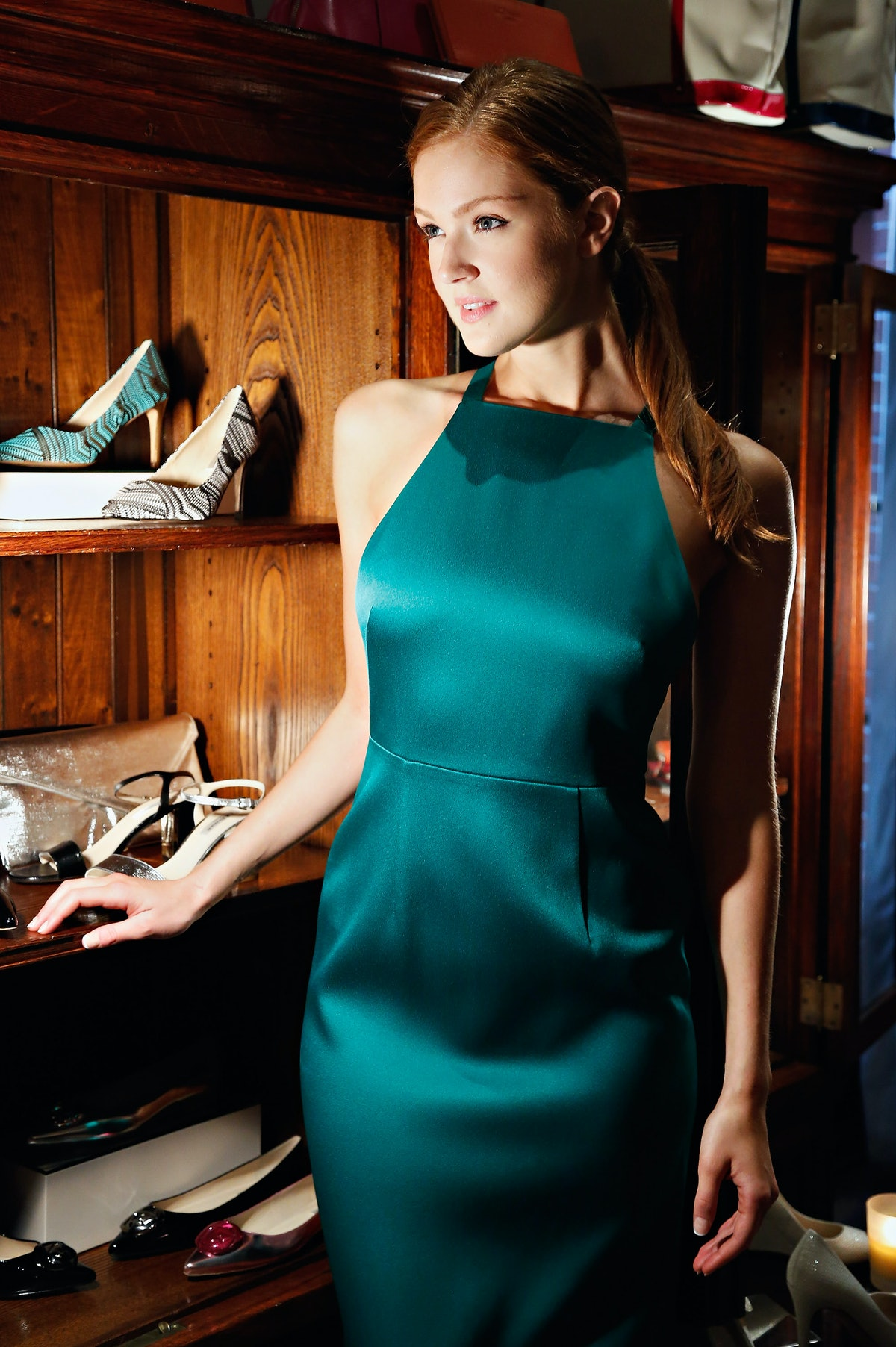 Who Is Maggie Geha? 'Gotham's New Poison Ivy Will Soon ...