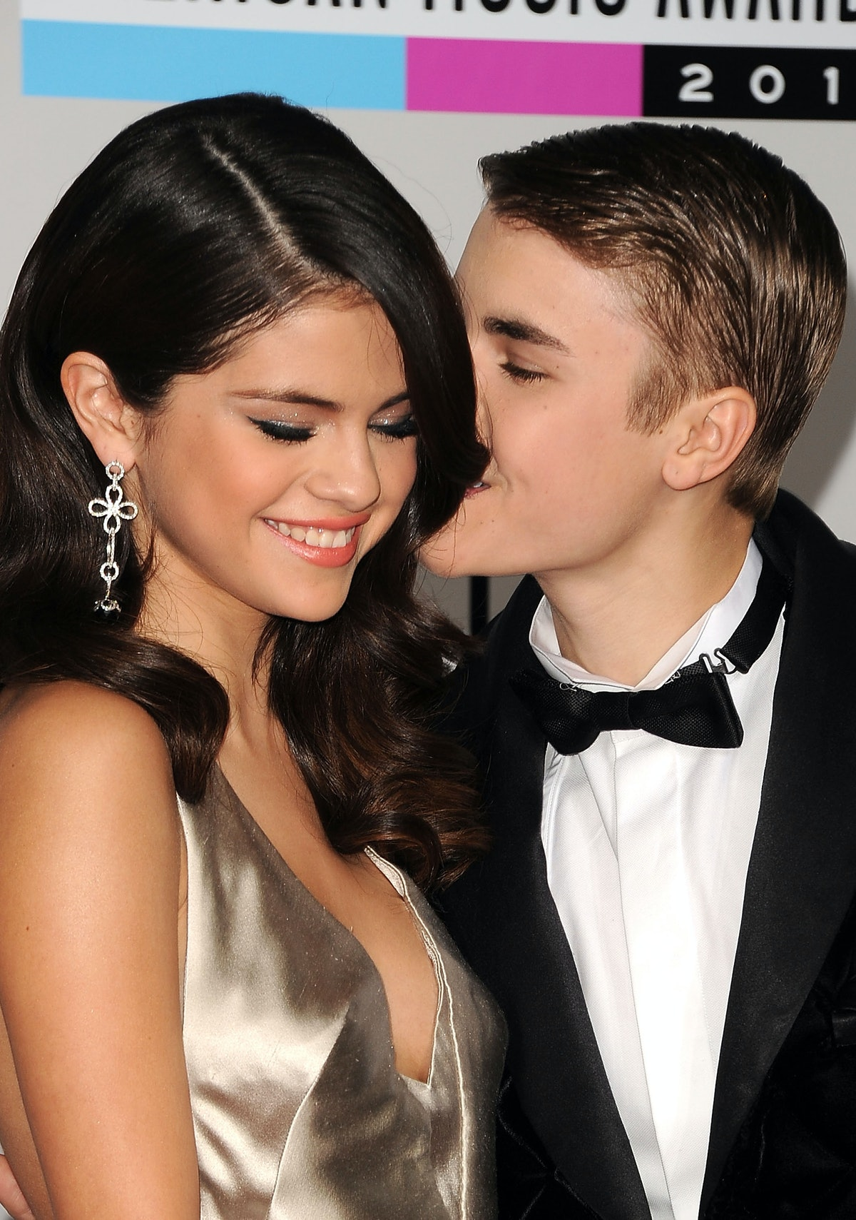 when did justin bieber started dating selena gomez #selenaisfreeparty has been trending on twitter ever since justin bieber proposed to hailey baldwin justin bieber and selena gomez dated from 2014-2016 before he started dating baldwin and before she started dating the weeknd.