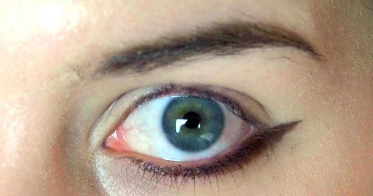 Applying eye makeup middle aged dating 6
