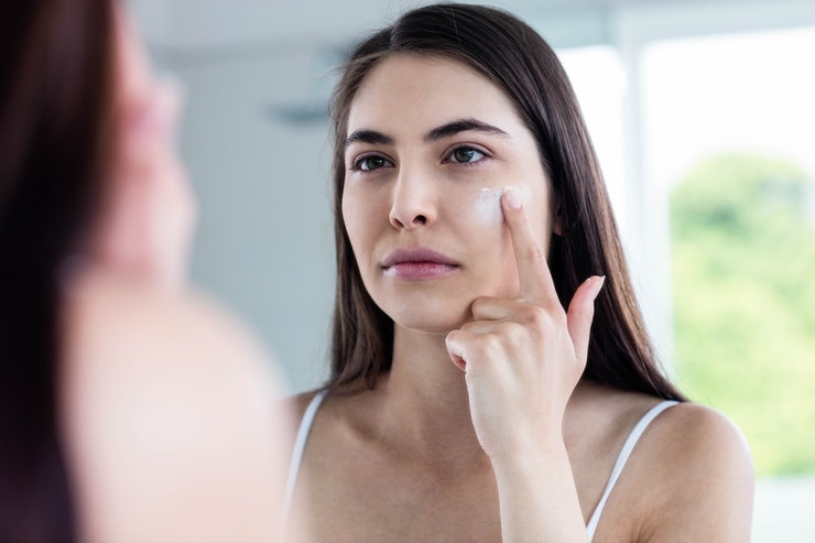 Best Face Moisturizers For Acne-Prone Skin That Won't