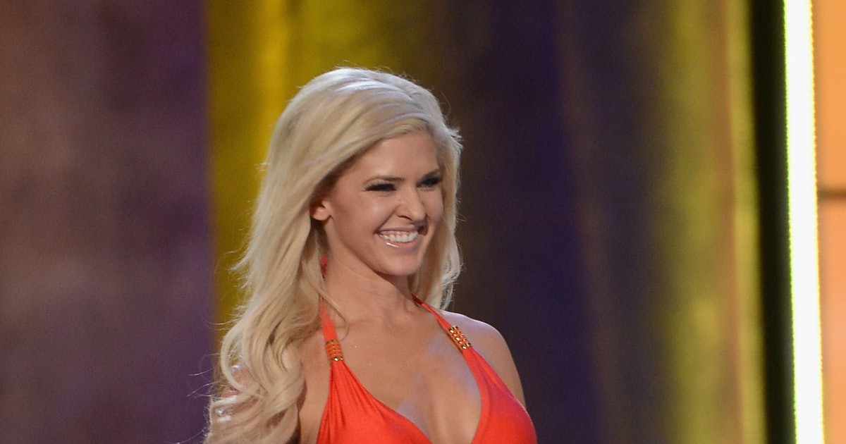 Can miss america contestants have tattoos on display for Miss tattoo pageant