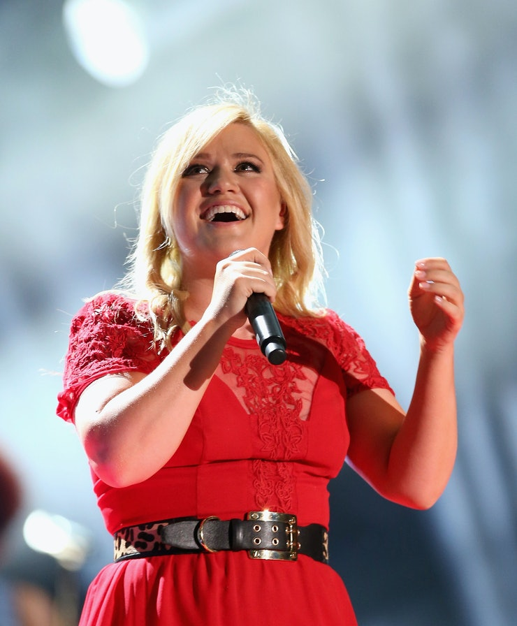 How Does Kelly Clarkson S Quot Wrapped In Red Quot Video Compare