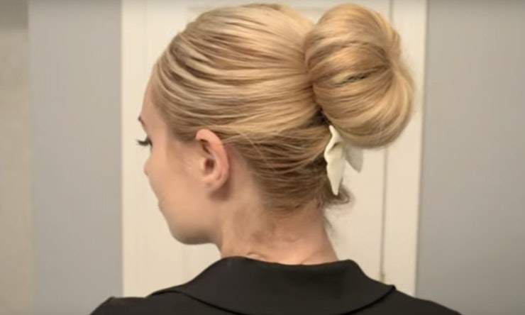 Quick Easy Hairstyle Tutorials For Work That Will Save Your - Hairstyle bun videos