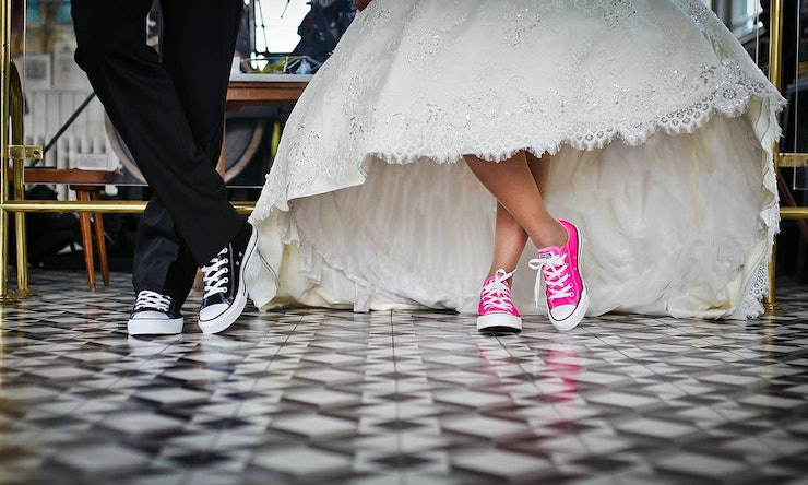 10 Songs To Play At A Wedding Reception If You Really Want Get The Party Started