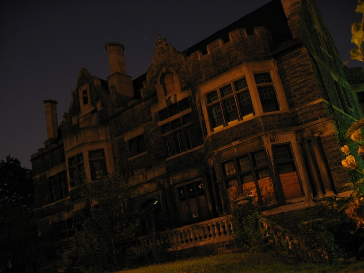 13 scary books to freak you out just in time for halloween for 13 floor haunted house pa
