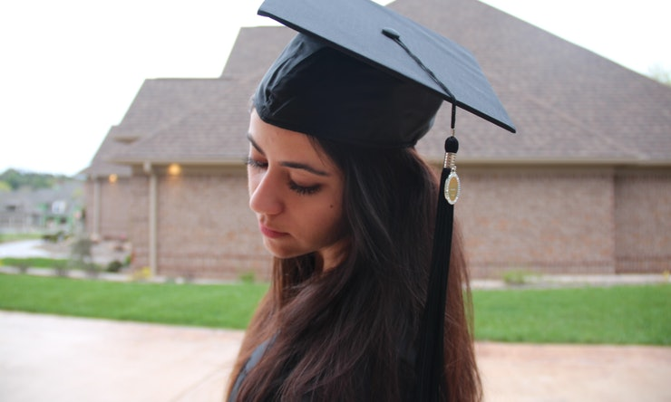 How To Make Your Graduation Cap Stay On Look Good And Not Cause You Permanent Hat Hair Because Thats Basically The Worst