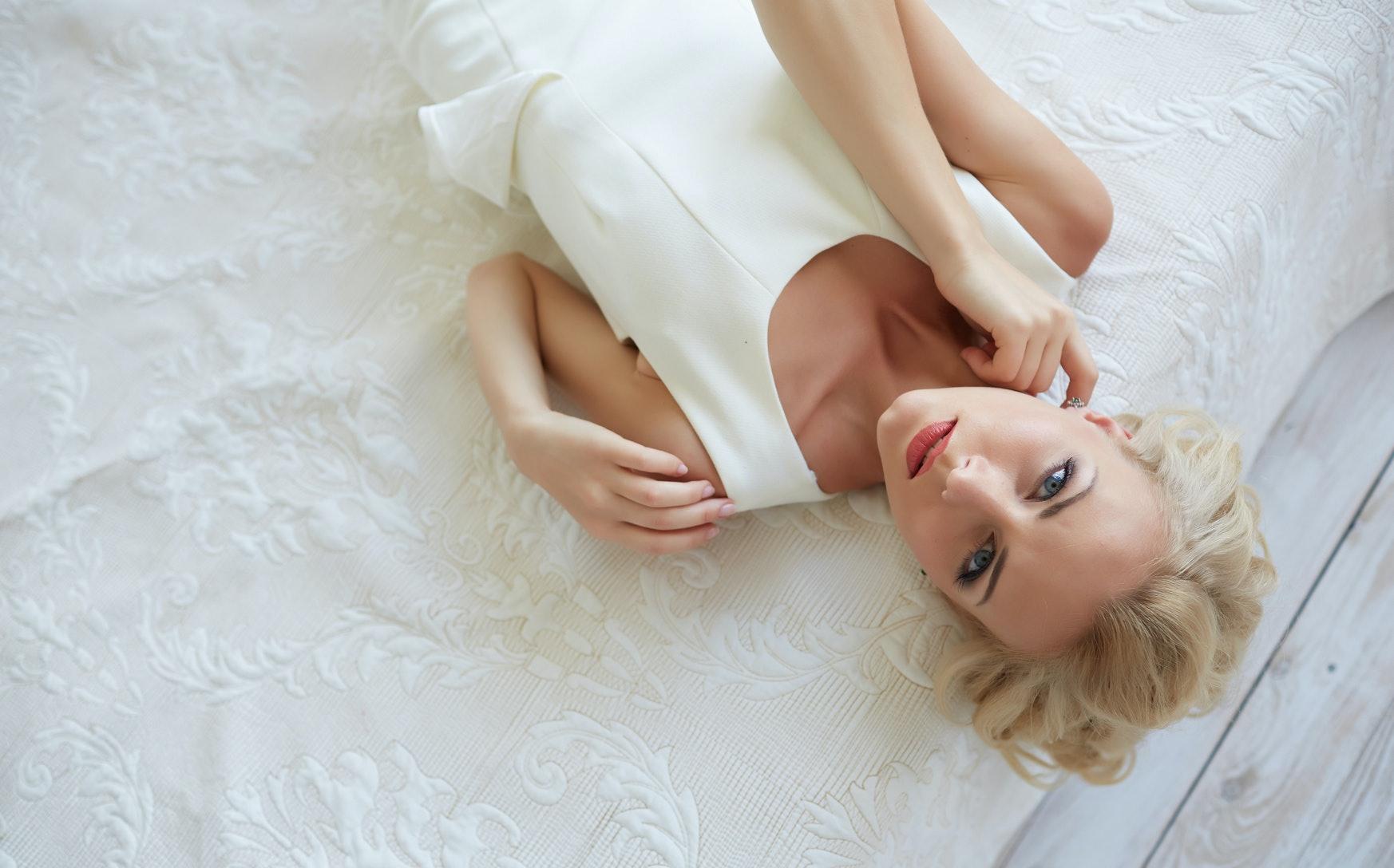 Fantine dress white stuff around clitorious.