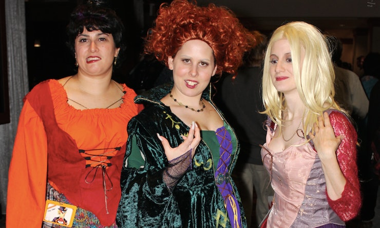 20 Funny Best Friend Halloween Costume Ideas That Are Wonderfully ...