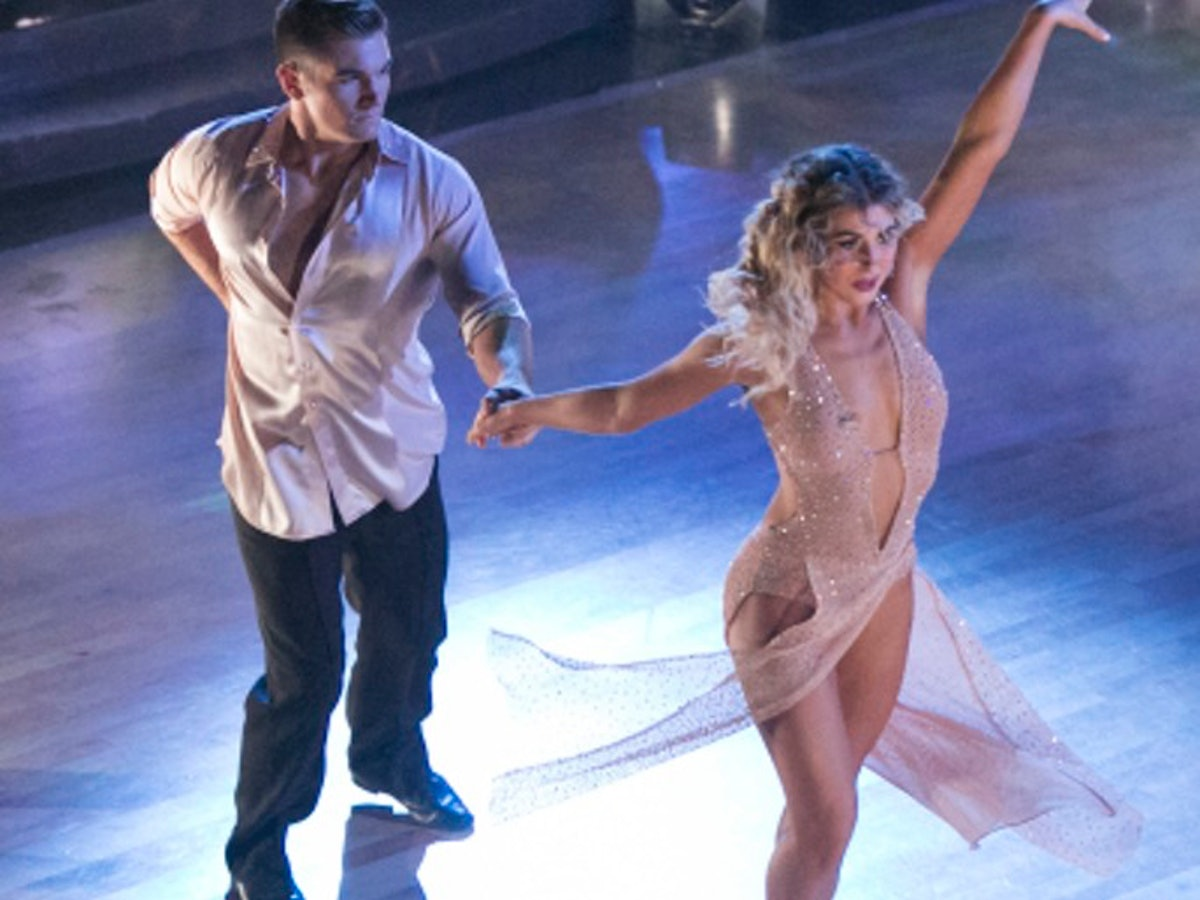 whos dating on dancing with the stars 2016 1 A very handsome dancing with the stars instructor  ballroom legend maksim chmerkovskiy is returning to dancing with the stars for its upcoming  2016 archives.