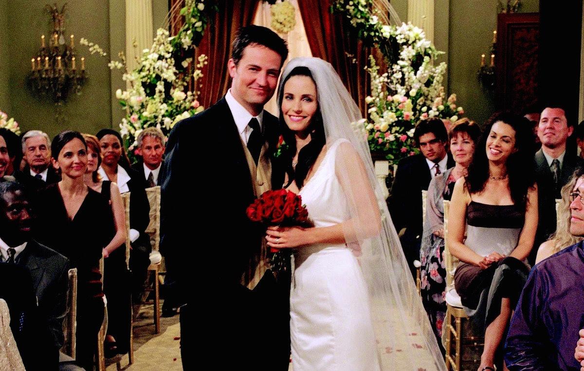 When Does Monica Start Dating Chandler