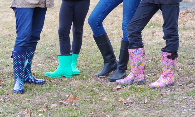 The 10 Most Comfortable Rain Boots For Spring Yes They