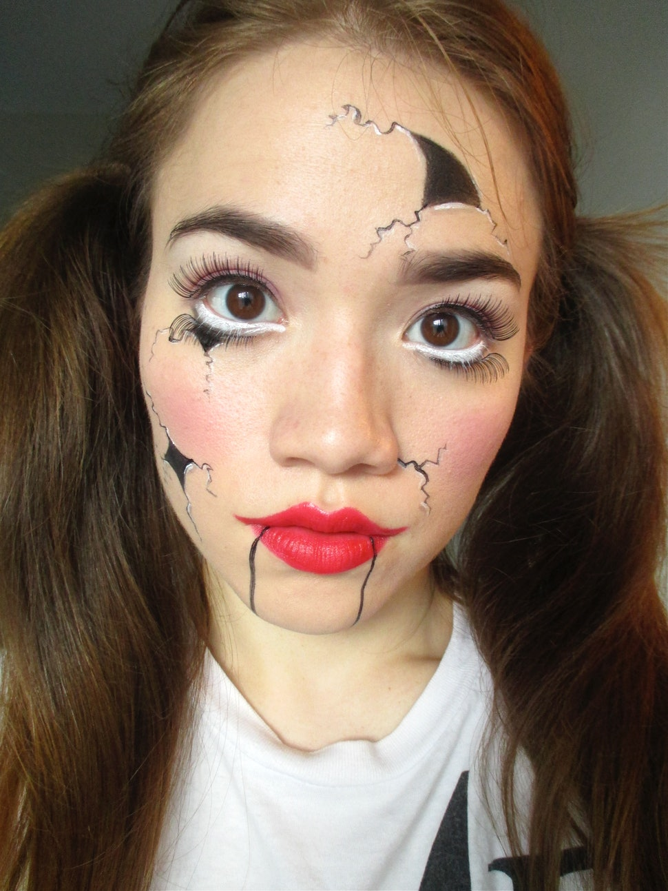 This Easy Broken Doll Makeup Uses Products You Already Own ...