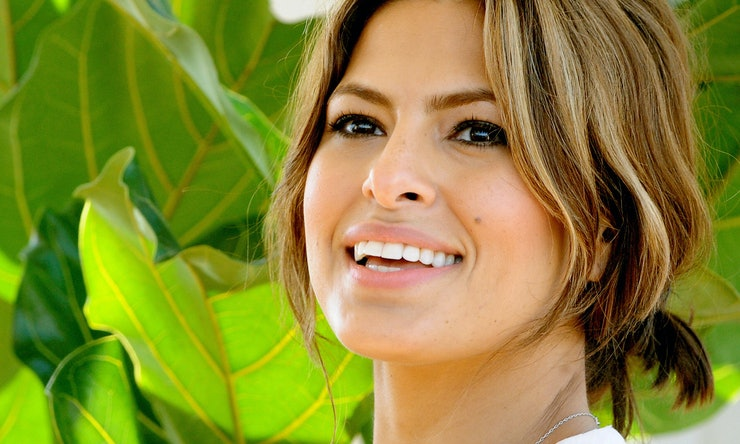 Fashion Beauty World Facebook: Eva Mendes Gives Out Beauty & Fashion Advice On Facebook