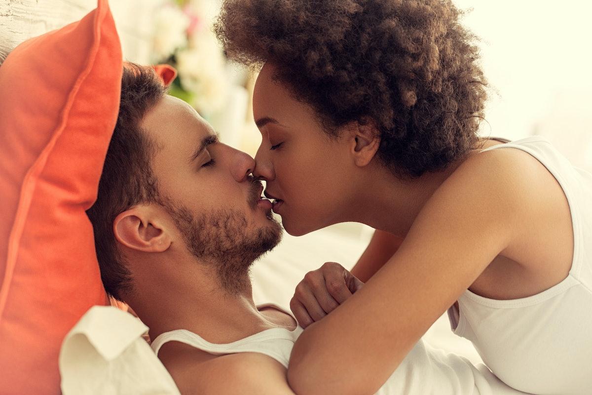 blk women dating wht men