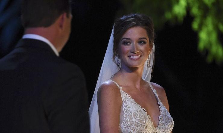 Photos Of Jade Ropers Wedding Dress Show The Bachelor Star Has Beautiful Taste
