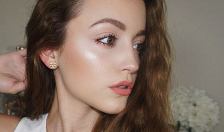 Kathleenlights Makeup Vanity : KathleenLightsxMakeup Geek Twitter Reactions Show The People Are Ready For This Highlight Palette