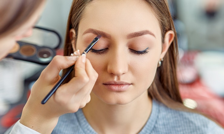 8 Weird Beauty Tools That Actually Make Your Makeup Look Professionally Done