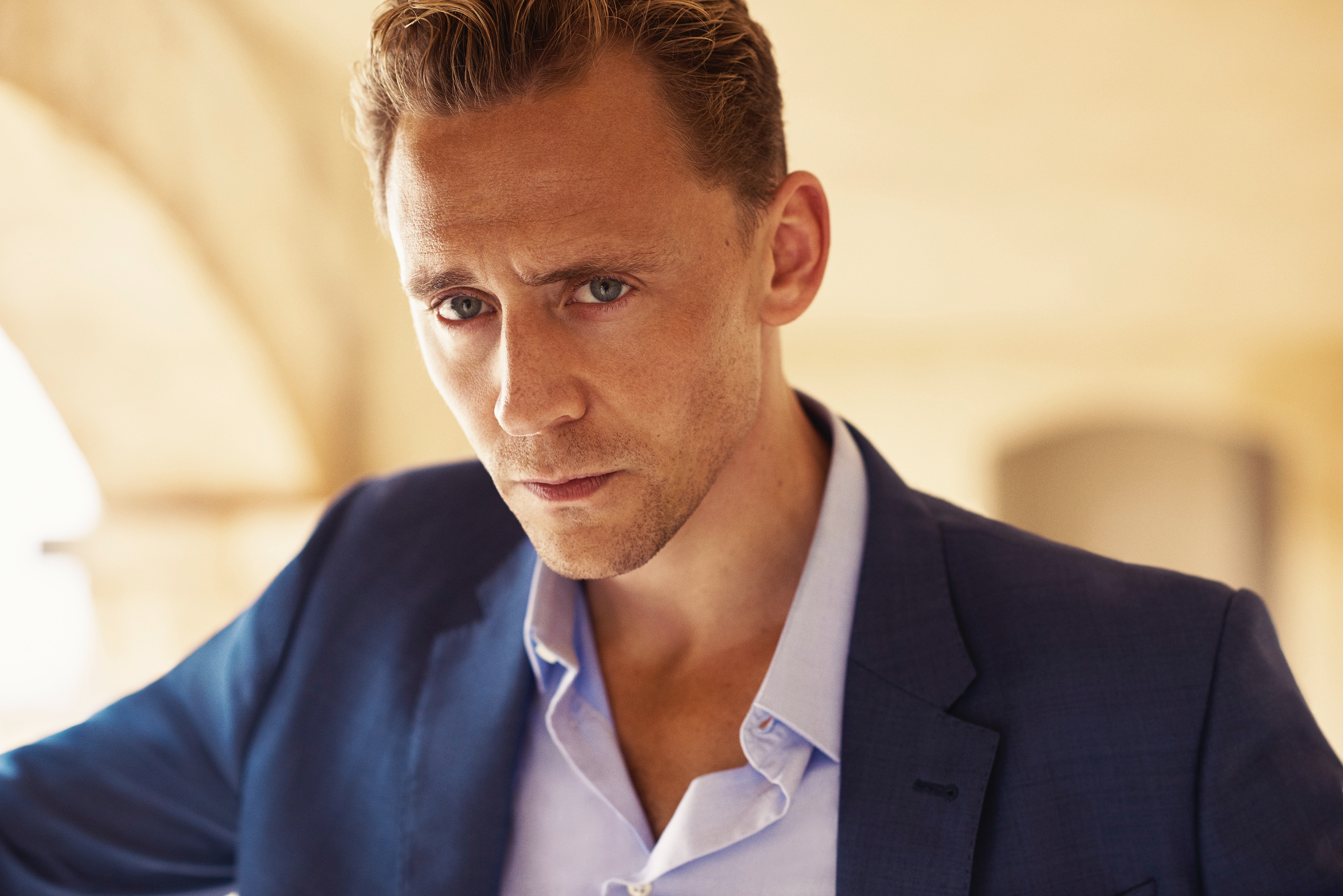 「tom Hiddleston, The Night Manager」的圖片搜尋結果