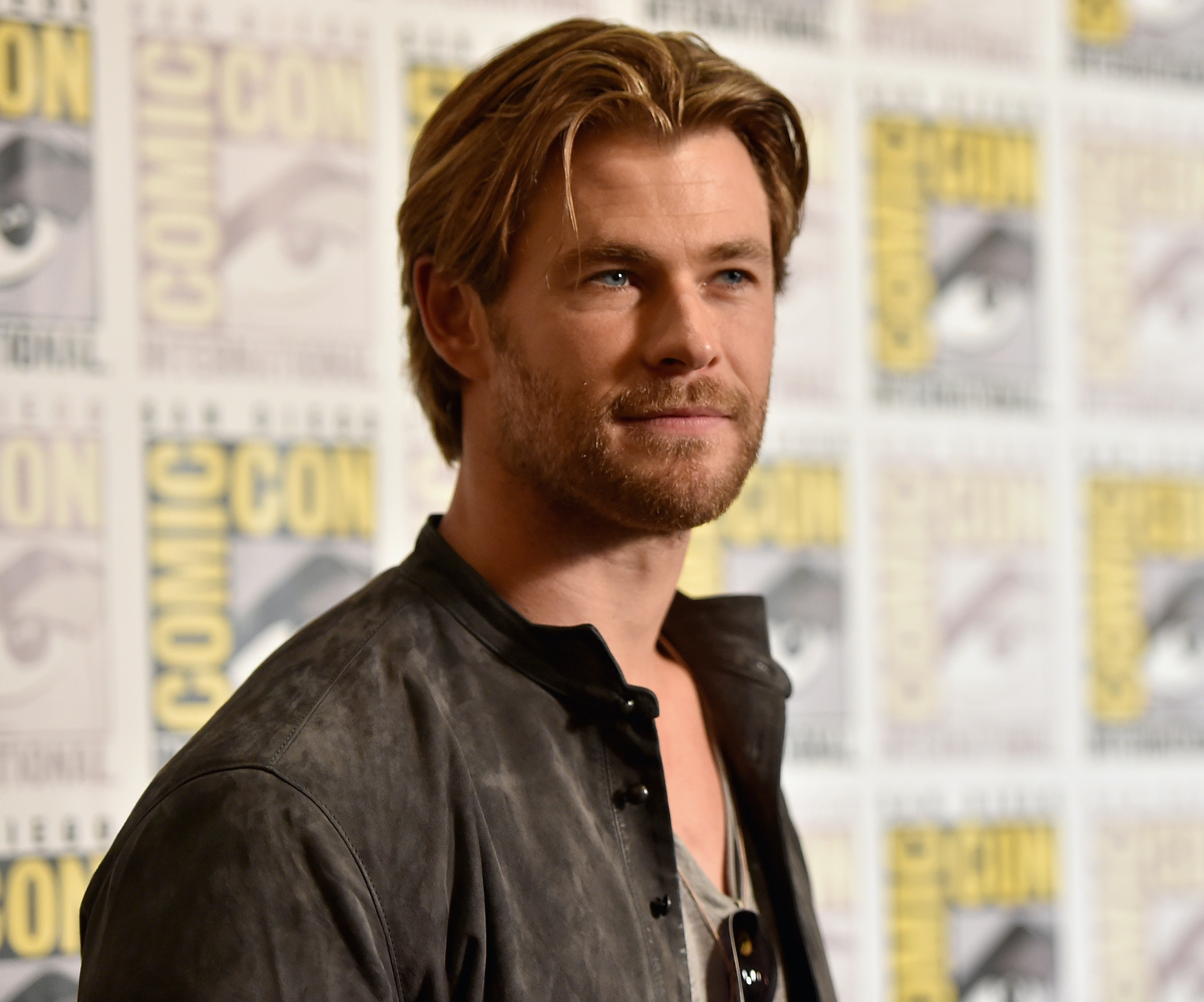 who is the actor thor dating