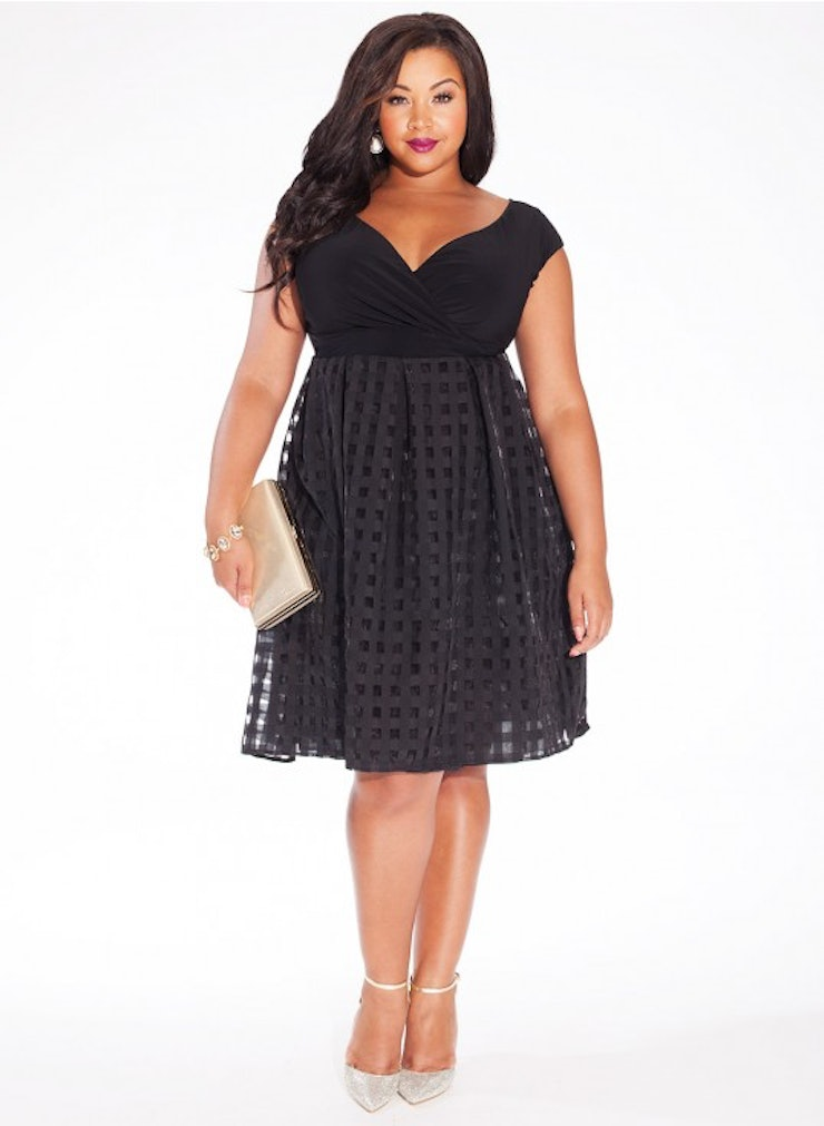 33 plus size wedding guest dresses for curvy ladies