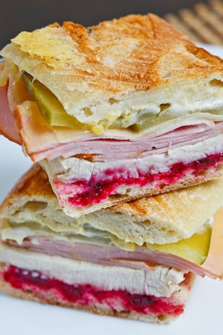 7 gourmet turkey sandwiches to make using all your boring for How to make leftover turkey sandwich