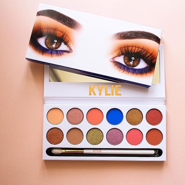 Customers Are Complaining That Kylie Jenner's Eyeshadows Are Causing Headaches