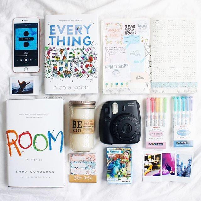 """11 Cách Dễ Dàng Để Có Những Bức Ảnh Chụp Sách """"Lừa Tình"""" Trên Instagram - YBOX"""