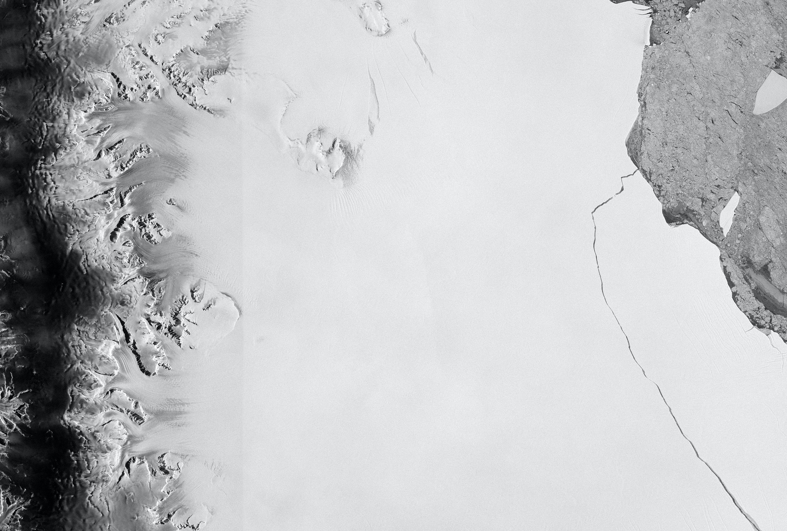 A Giant Mysterious Hole Has Emerged In Antarctica And Scientists Still Don't Know The Reason