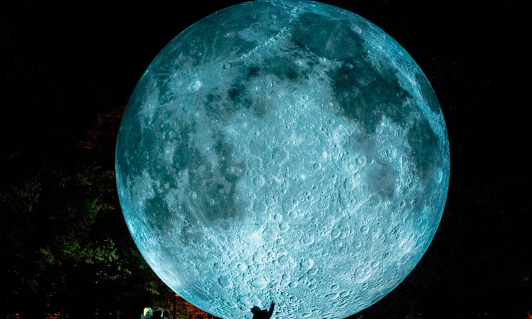 The Halloween Moon Will Be In Pisces, So Blame All Your Drunk ...