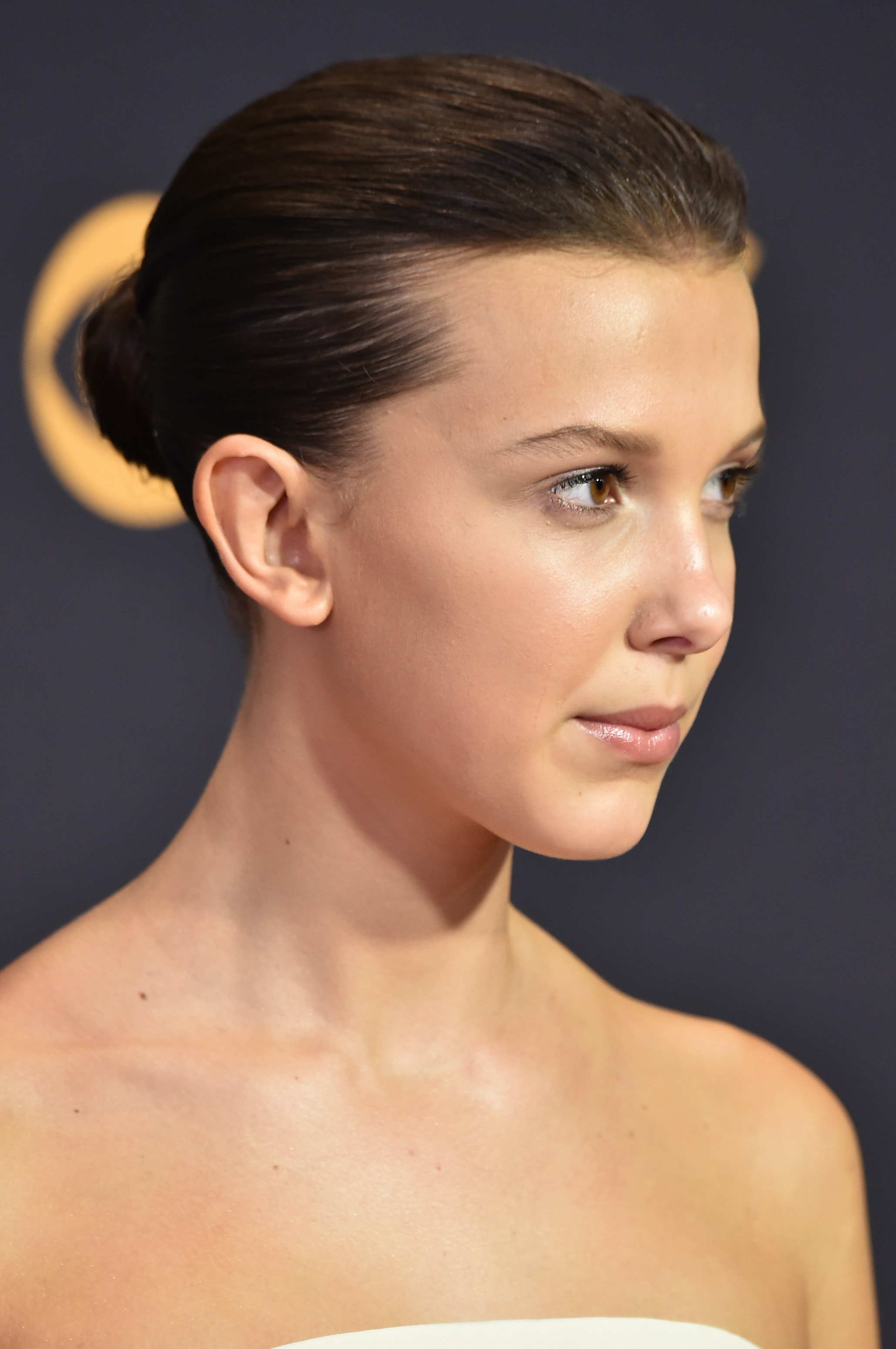 is millie bobby brown's long hair real? the 'stranger things