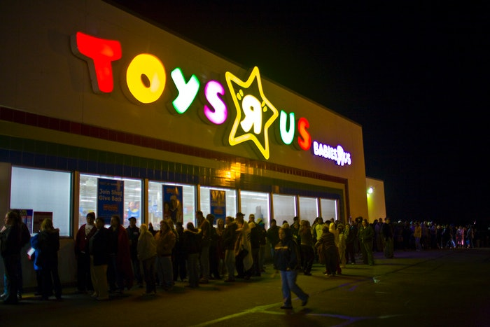 Black Friday: Thanksgiving day through 10 p.m. on Black Friday. Note: Some stores will close at midnight or 2 a.m. and reopen at 6 a.m. Note: Some stores will close at midnight or 2 a.m. and reopen at 6 a.m.