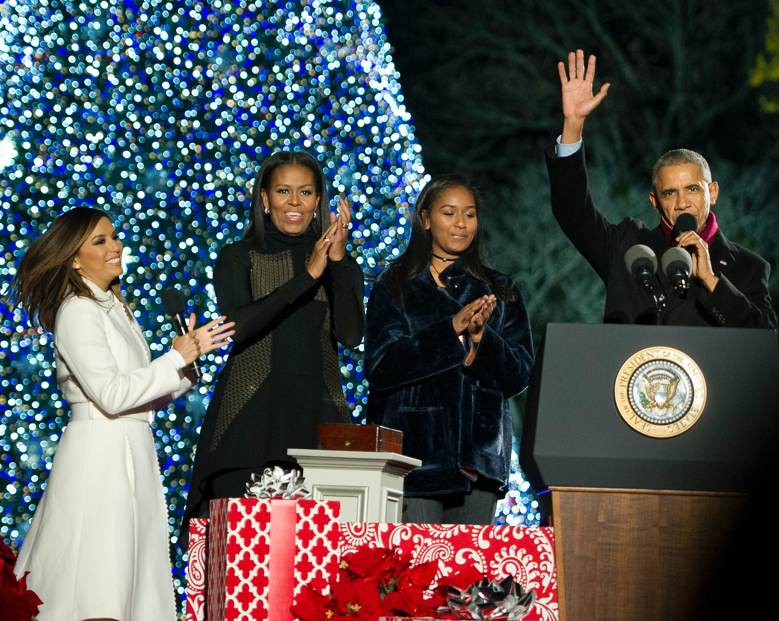 Inside tour: First lady decorates White House for Christmas