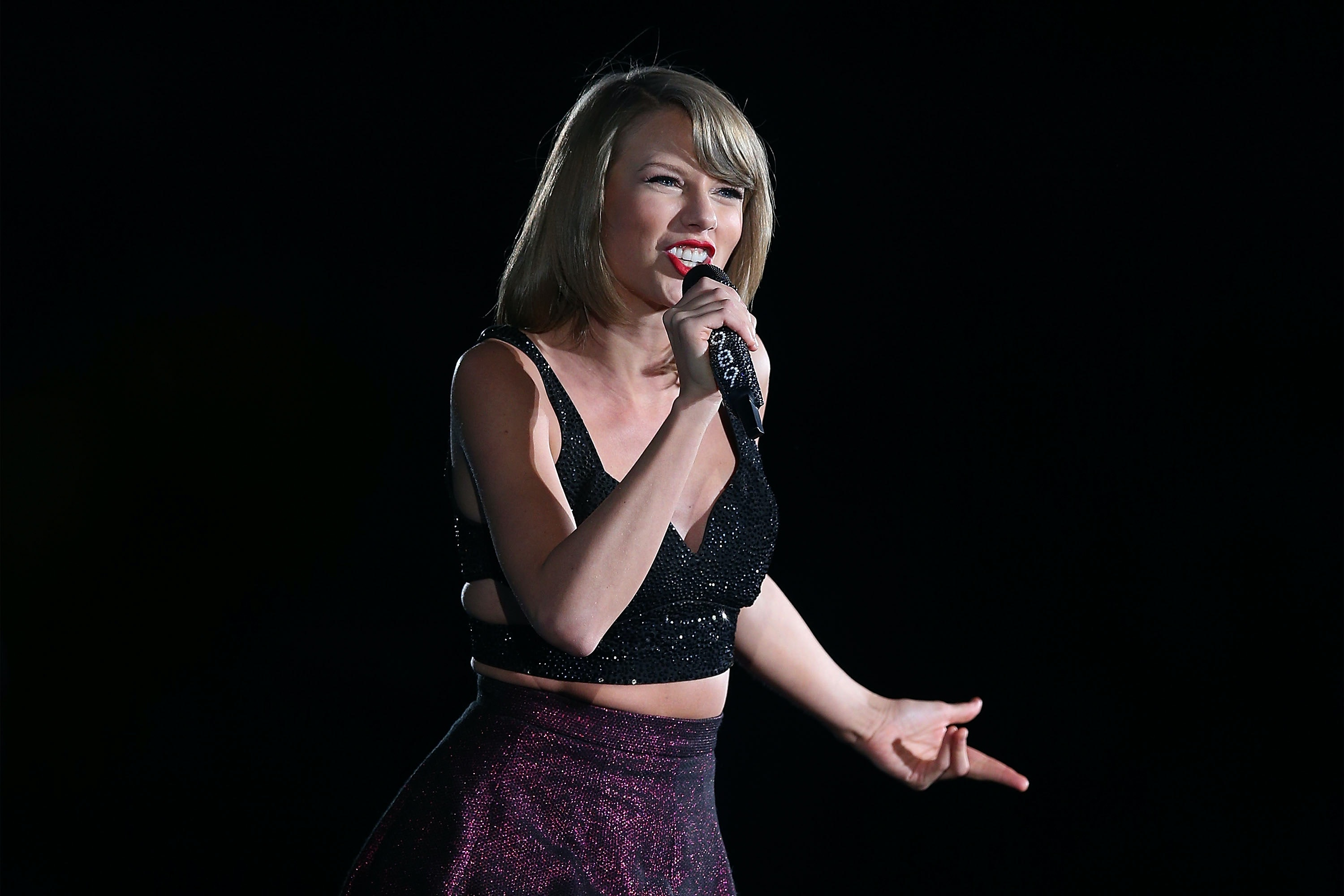David Mueller Uses $1 Sacagawea Coin To Pay Off Taylor Swift Lawsuit