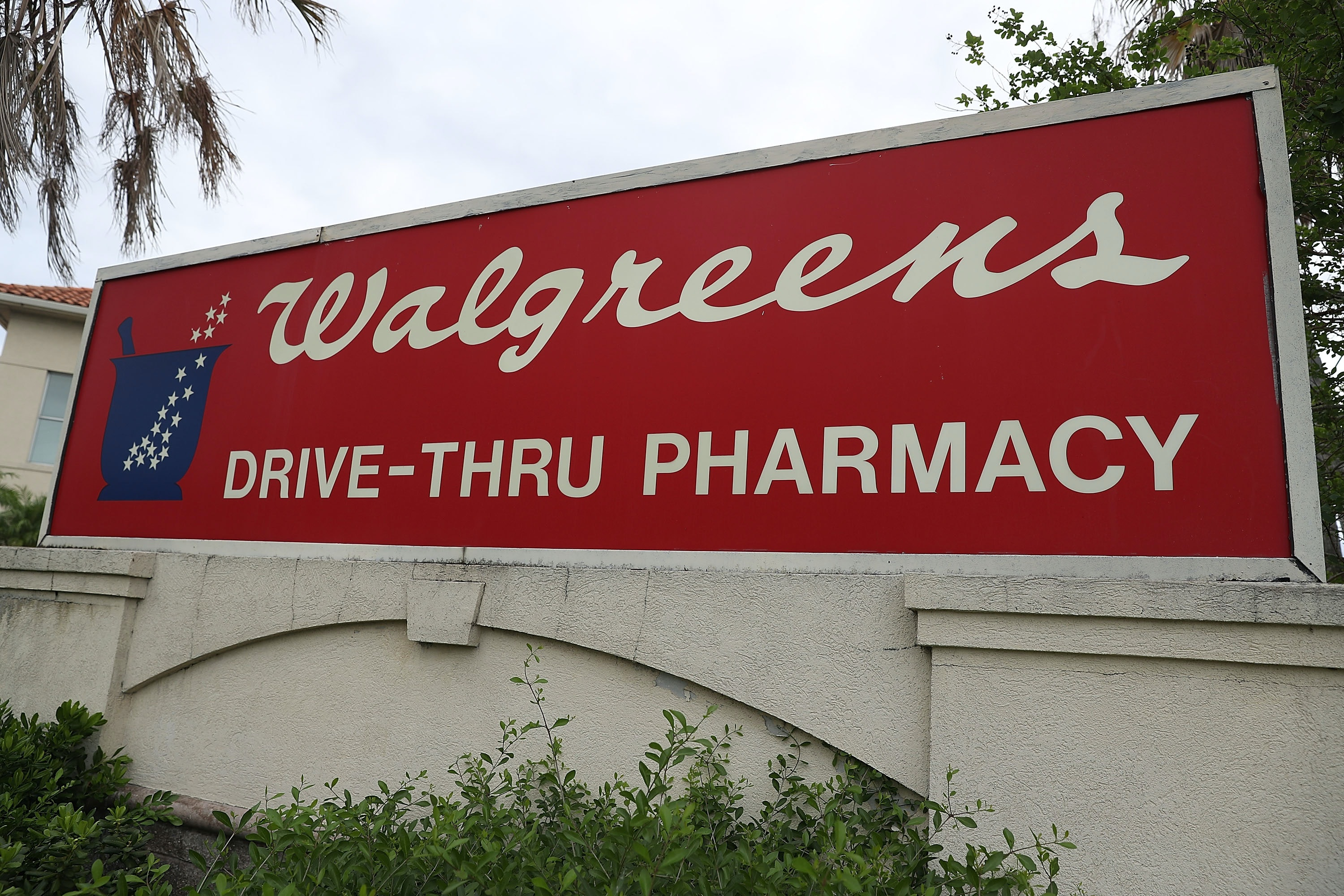 what stores are open on christmas day only a few - Walgreens Open Christmas Day