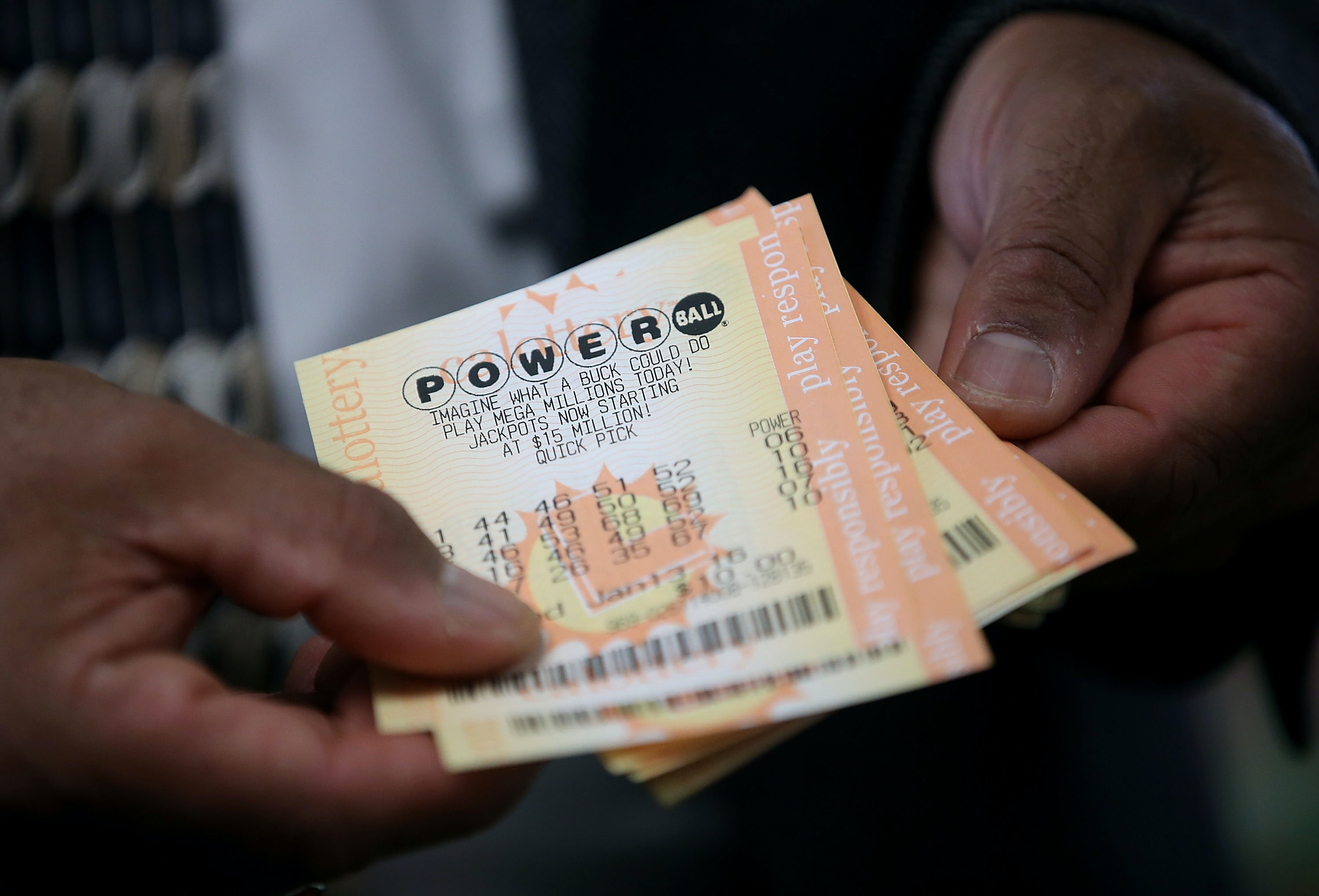 Ticket sales brisk for tonight's $700M Powerball jackpot