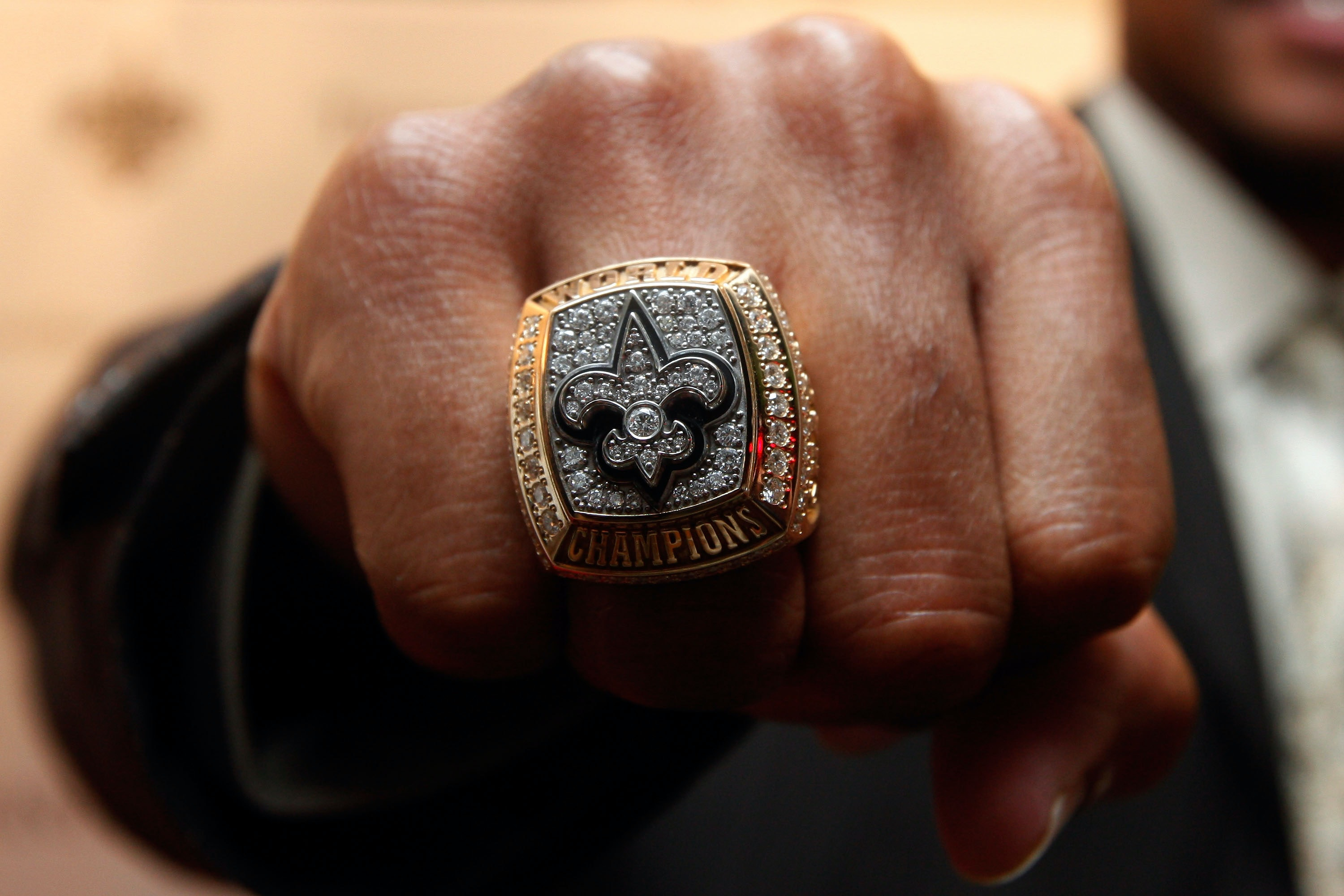 bowl articleview ravens rings auctions at ring a and available nfl dozen championship articles super goldin