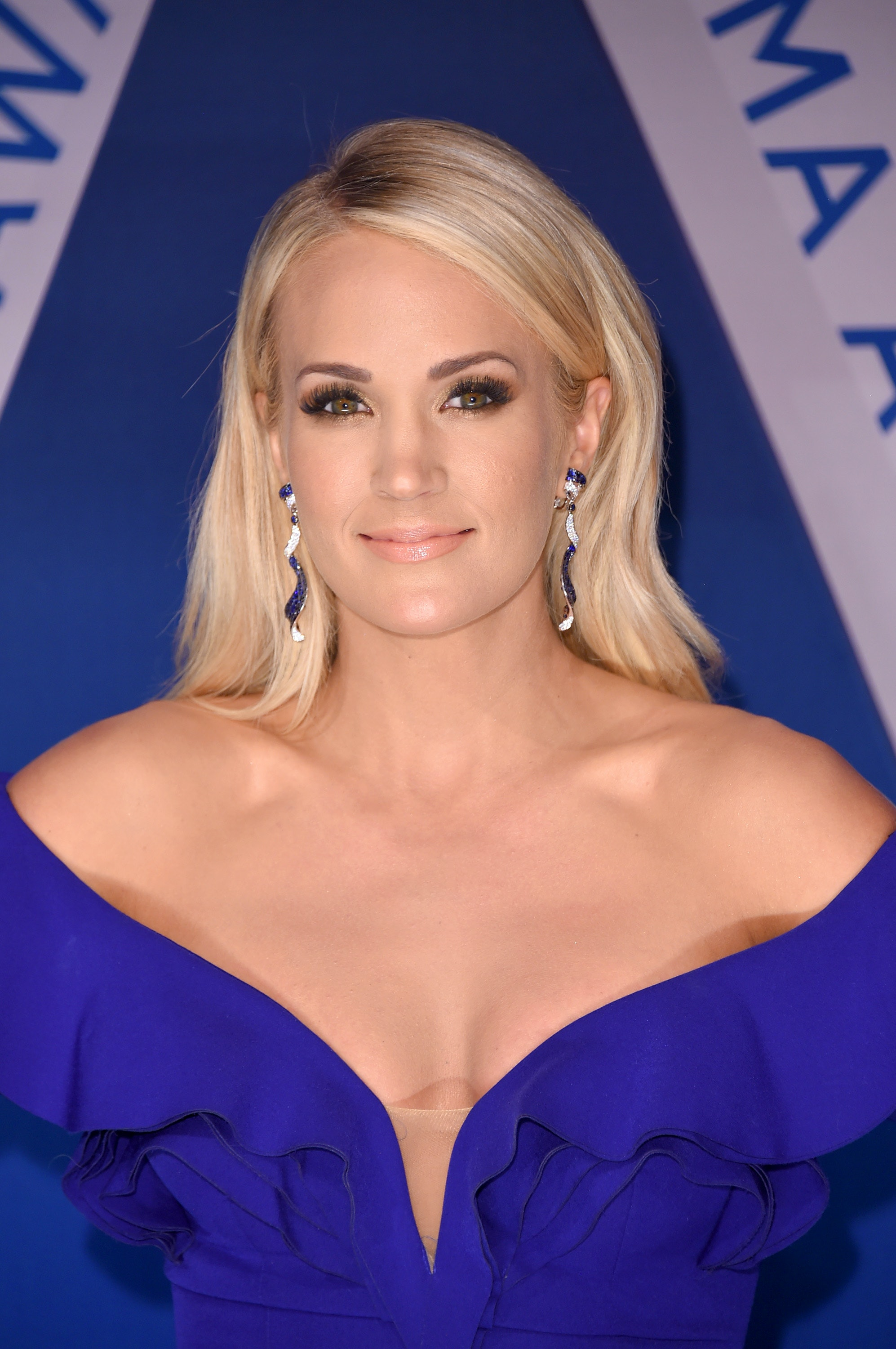 Carrie Underwood May Have Had Plastic Surgery After Her Injury Thats E...