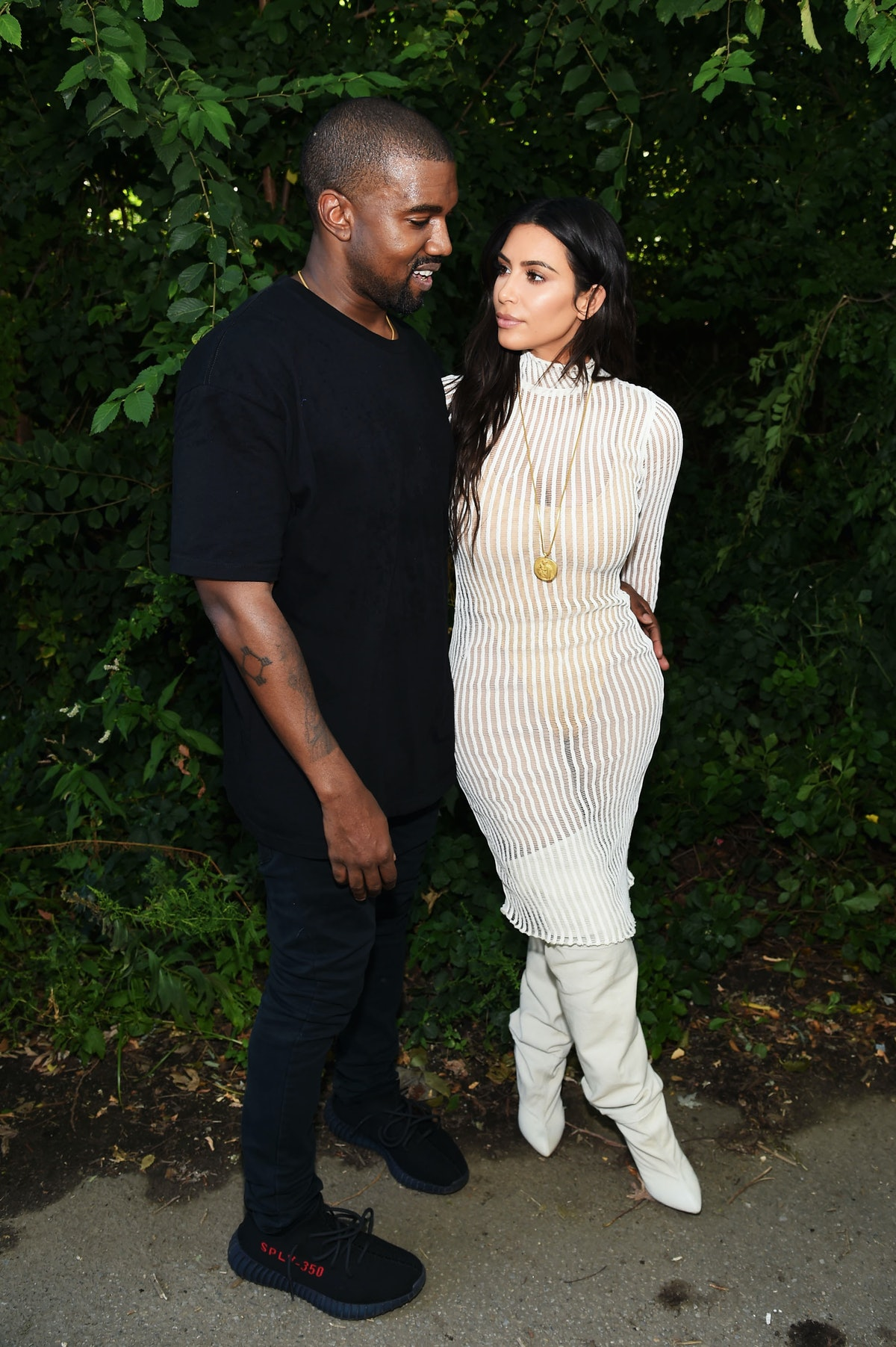 Kim Kardashian & Kanye West Switched Hair Colors — And Yes, Kanye Now Has Pink Hair