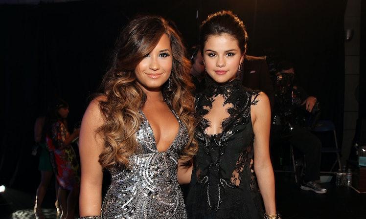 Demi Lovato Selena Gomezs Friendship Is Going Strong According To Demis Mom