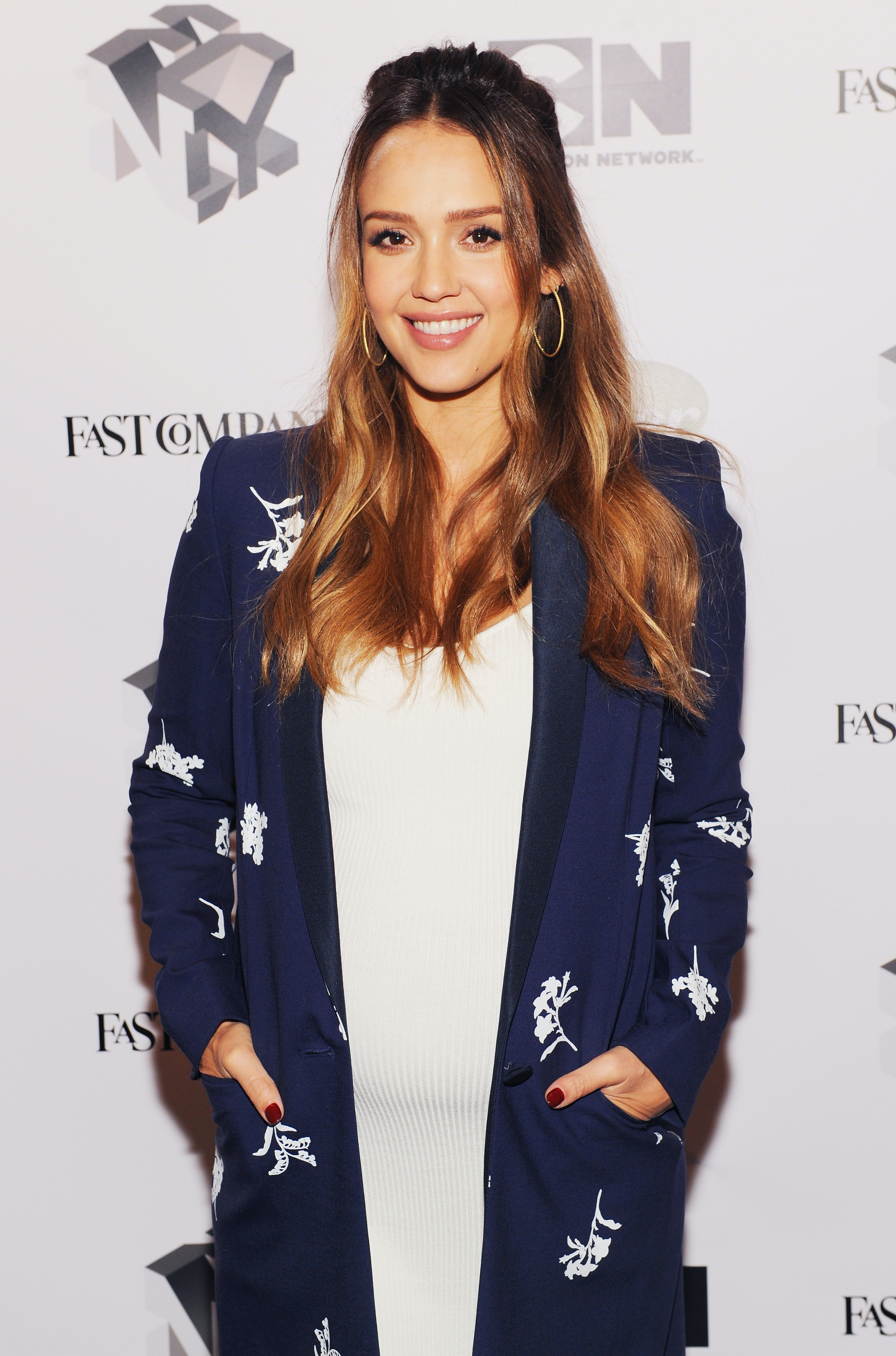 Photos Of Jessica Albas Pregnancy Haircut Will Have You Itching For