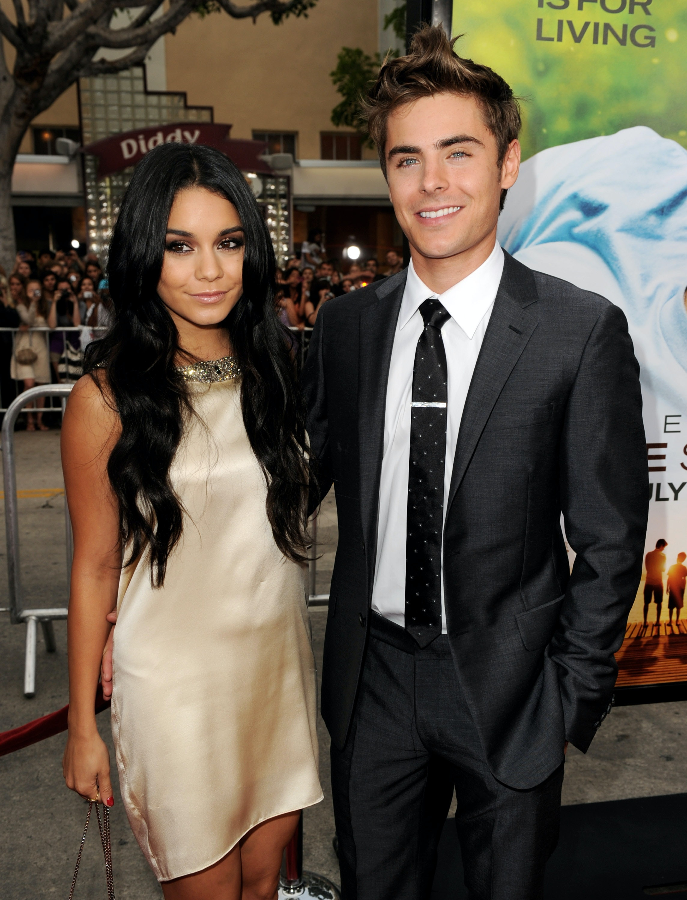 did vanessa hudgens and zac efron date