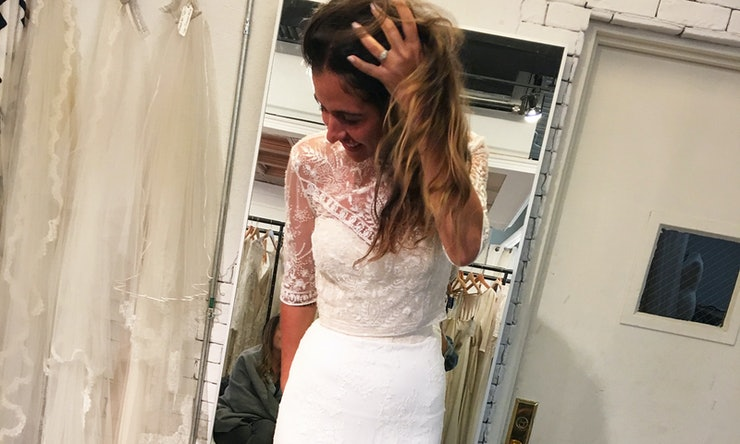 Online Bridal Boutique Floravere Lets You Try On Wedding Dresses Without Leaving Your House
