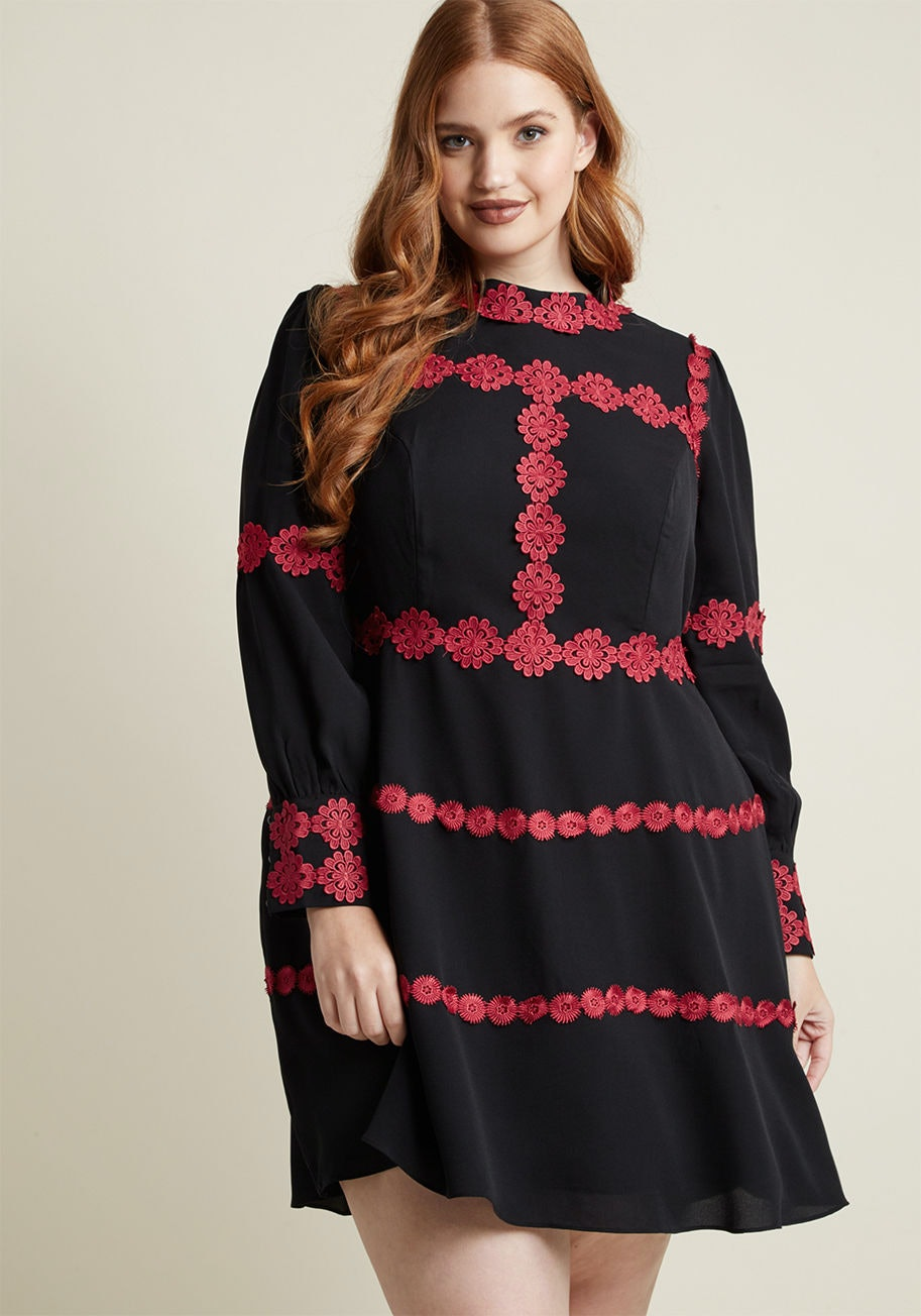 0aa0cba9e3 57 Plus-Size Holiday Dresses That Will Make You Look Forward To Seeing Your  Family