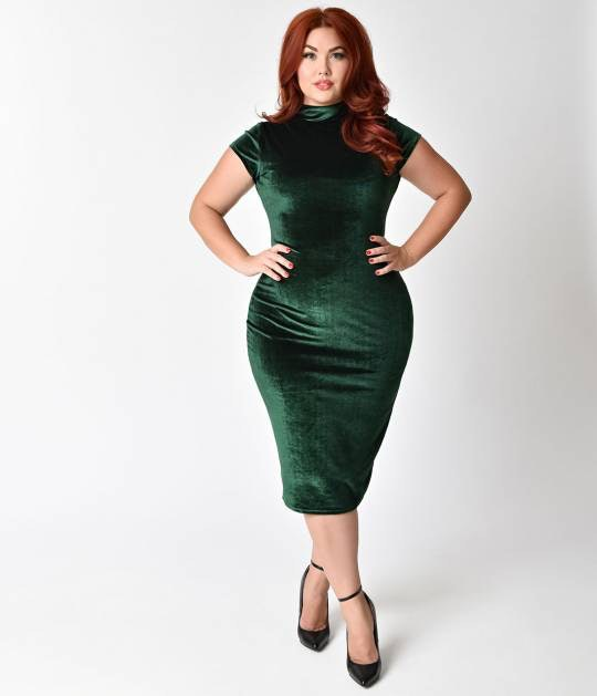 3dcbc5df4a 57 Plus-Size Holiday Dresses That Will Make You Look Forward To Seeing Your  Family