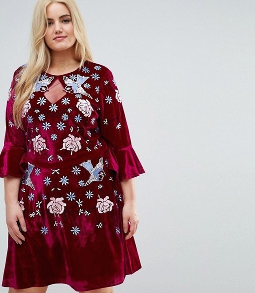 801cf03d402ea3 57 Plus-Size Holiday Dresses That Will Make You Look Forward To Seeing Your  Family