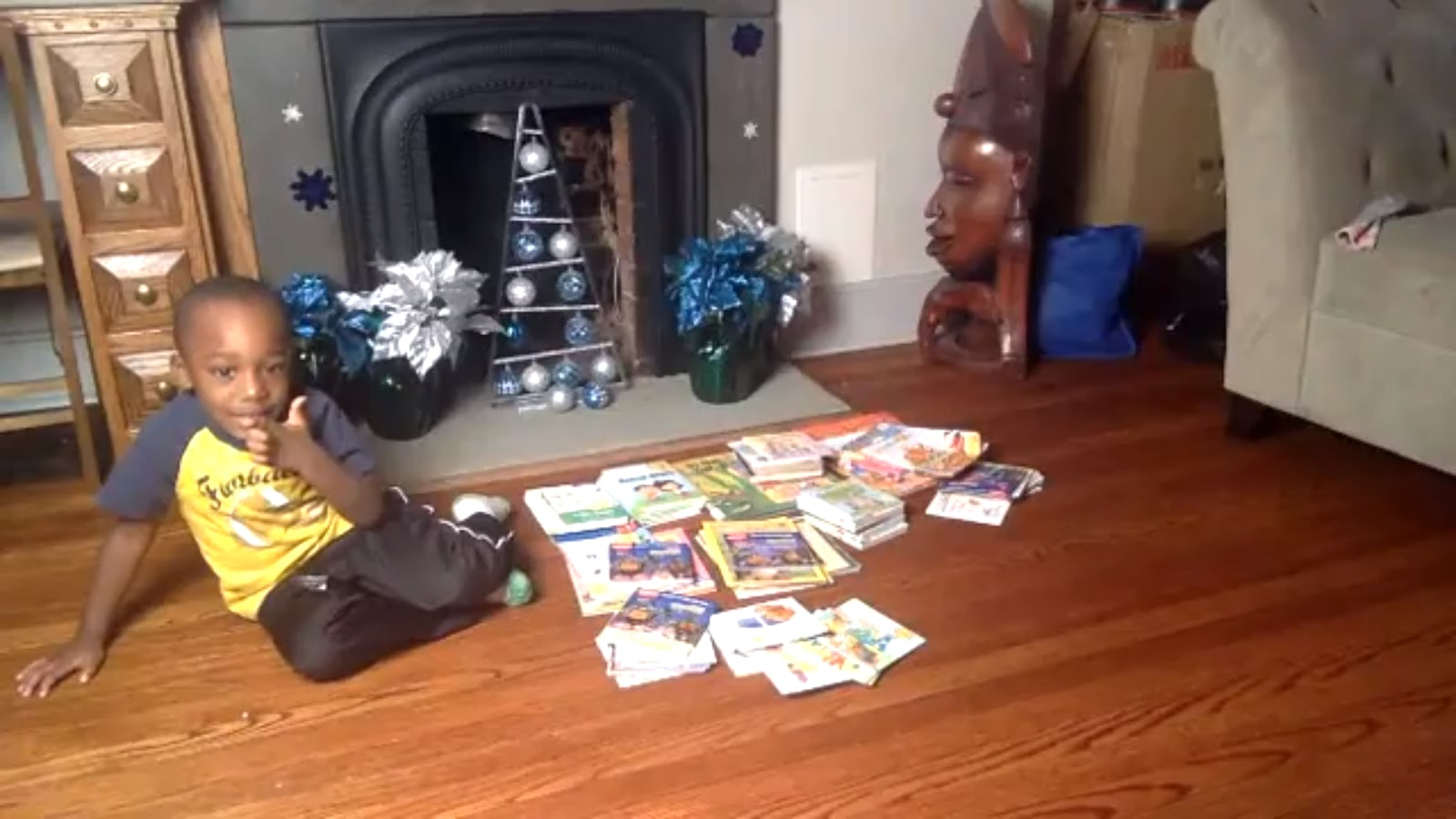 4-year-old reads 100 books in one day