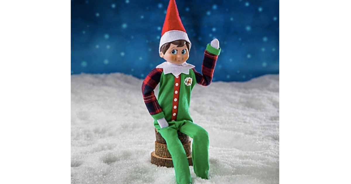7 Elf On The Shelf Ideas For Christmas Eve, Because It's His Grand Finale