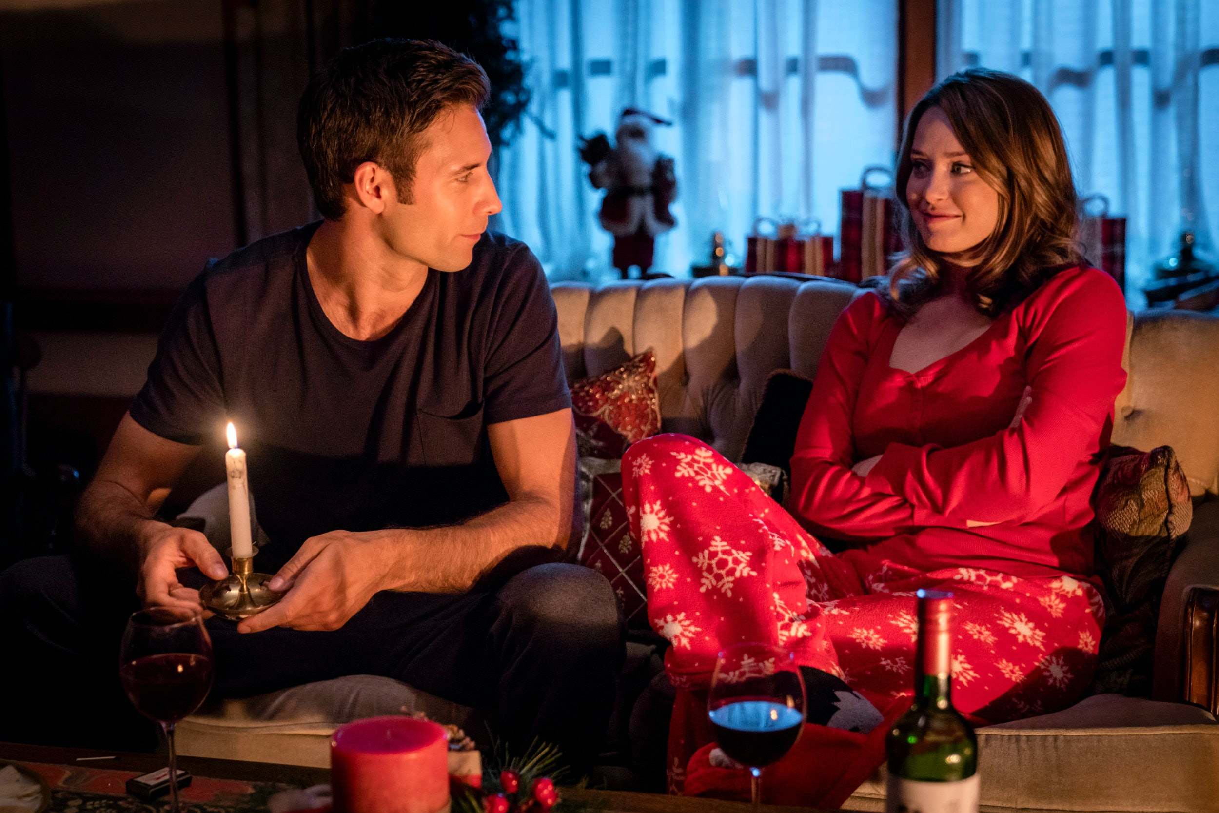 11 hallmark christmas movie romances that are actually a complete nightmare